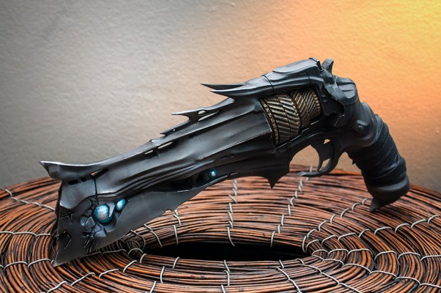 destiny-thorn-replica-by-eric-newgard-ImpactPropsCA