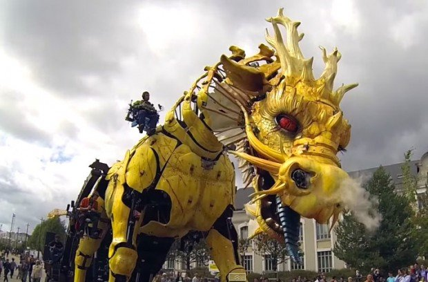 giant_mechanical_horse_dragon