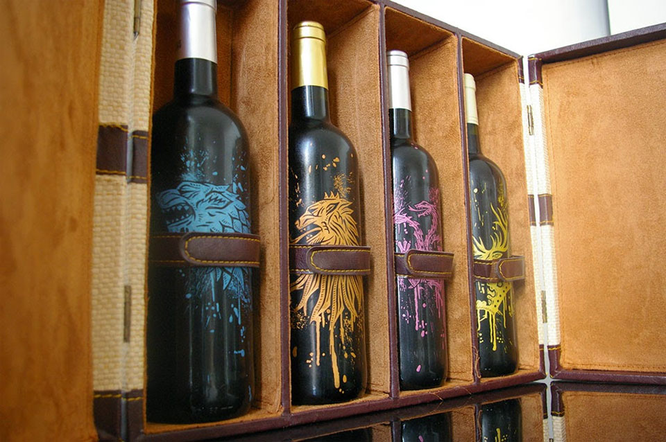 Leather Wine Carrier >> Game of Thrones Wine Set: GoT Wine?