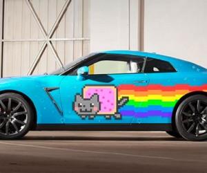 Nissan Trolls Ferrari, Offers Deadmau5 Nyan Cat GT-R
