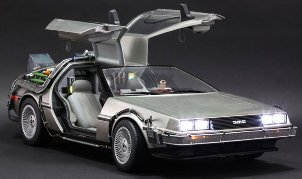 hot_toys_bttf_delorean_1