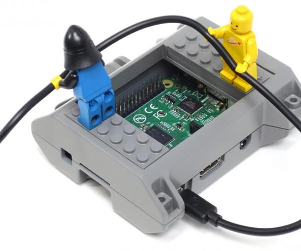 LEGO-Compatible Raspberry Pi Case: SmartiPi