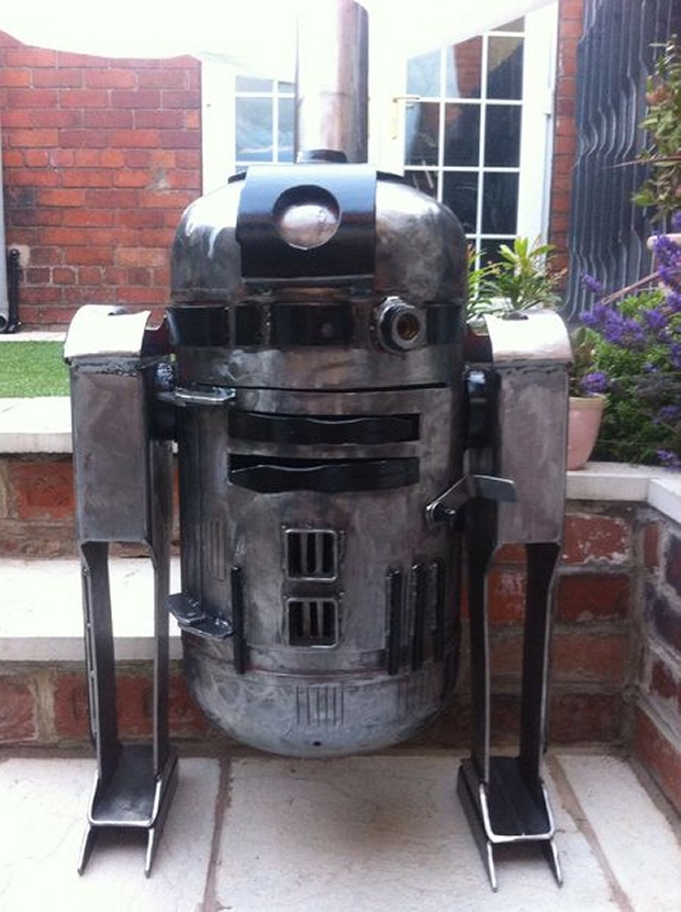 R2 D2 Wood Burner Is The Perfect Droid For Cold Nights On