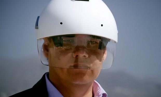 smart-industrial-helmet-by-daqri