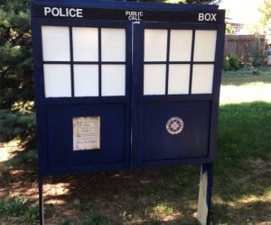 DIY TARDIS Headboard for Sleepy Time Lords