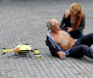 This Emergency Response Drone Carries a Defibrillator