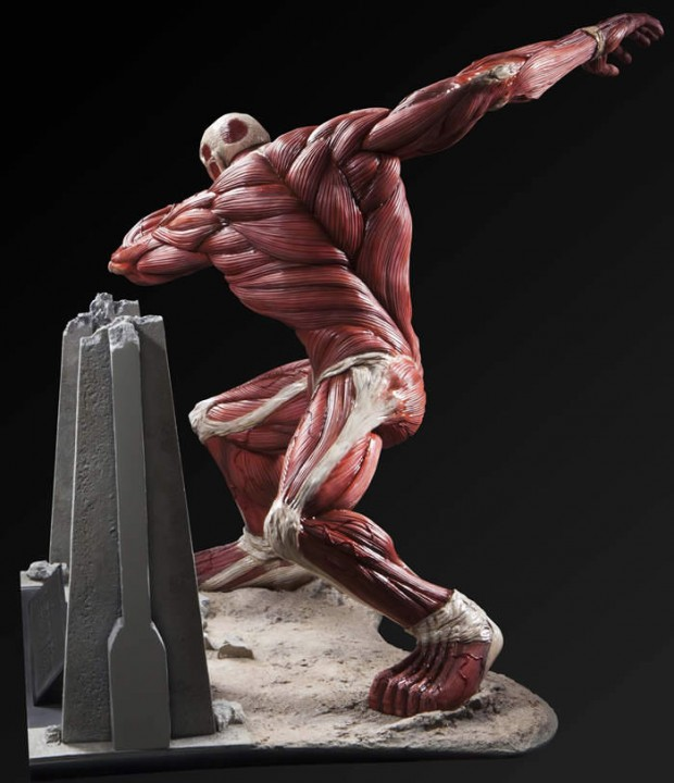 attack-on-titan-colossal-titan-figure-umcf-by-fragment-4
