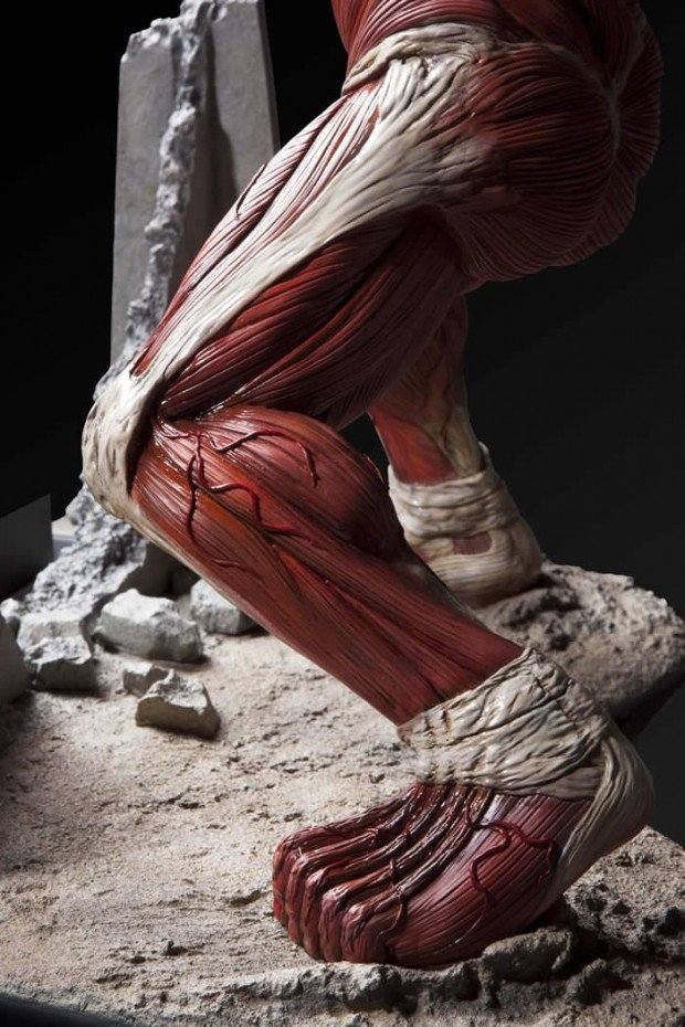 attack-on-titan-colossal-titan-figure-umcf-by-fragment-8