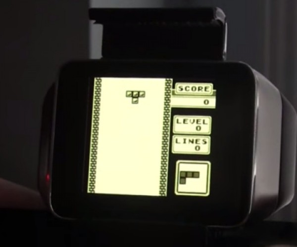 Android Wear Is So Much Cooler When It's Running a Game Boy Emulator