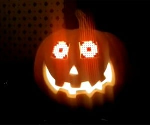 Jack-o-'lantern with Arduino-powered Eyes: Open Scares