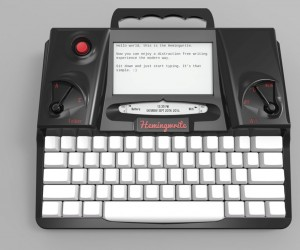 Electronic Typewriter with E Ink Screen: Hemingwrite