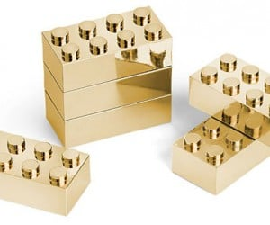 24K Gold-plated Building Blocks: LEGOs for Donald Trump