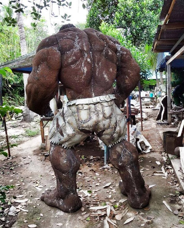metal_hulk_sculpture_3