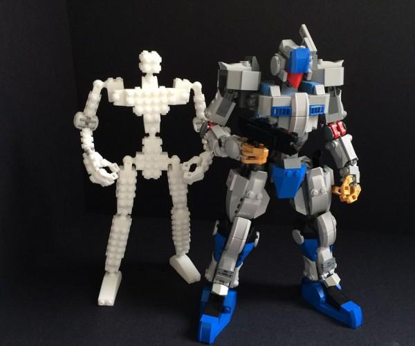 3D Printed Skeleton Lets You Make LEGO Robots: LEGO Build Fighter