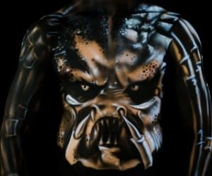 Amazing Predator Body Art: Get to the Choppa!