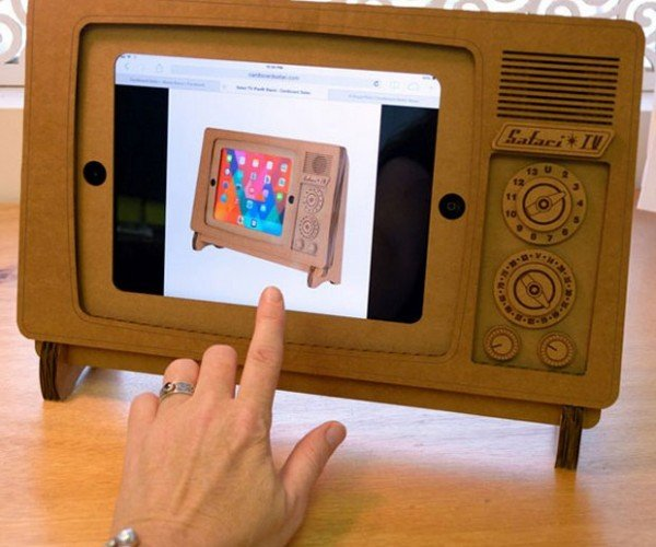 Safari TV iPad Stand: Fold 'n Play