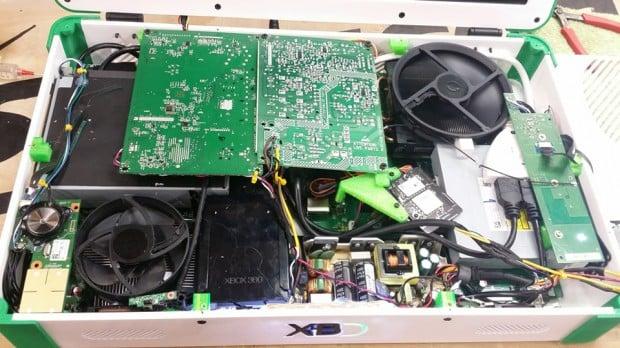 xbox-one-xbox-360-laptop-case-mod-by-eddie-zarick-4