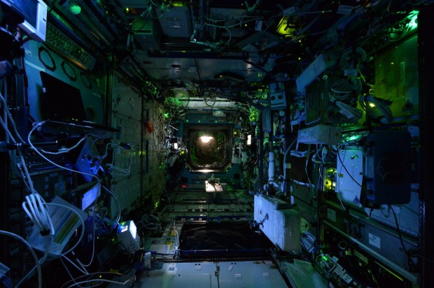 international-space-station-by-astronaut-alex-gerst-6