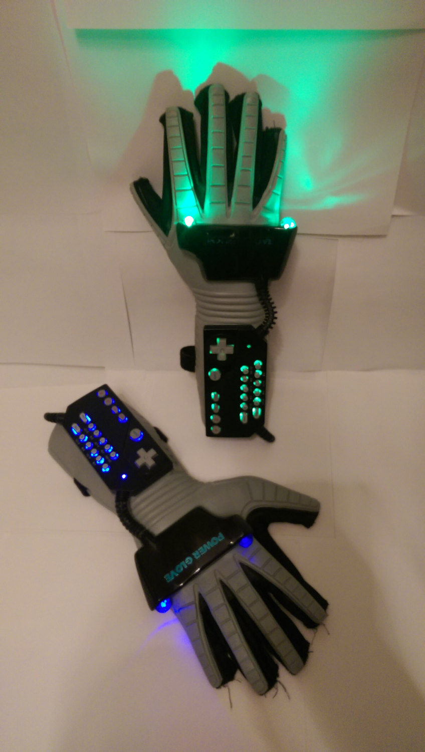 Nintendo Power Glove With Leds It S So Bright