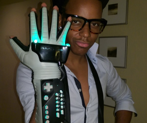 Nintendo Power Glove with LEDs: It's so Bright