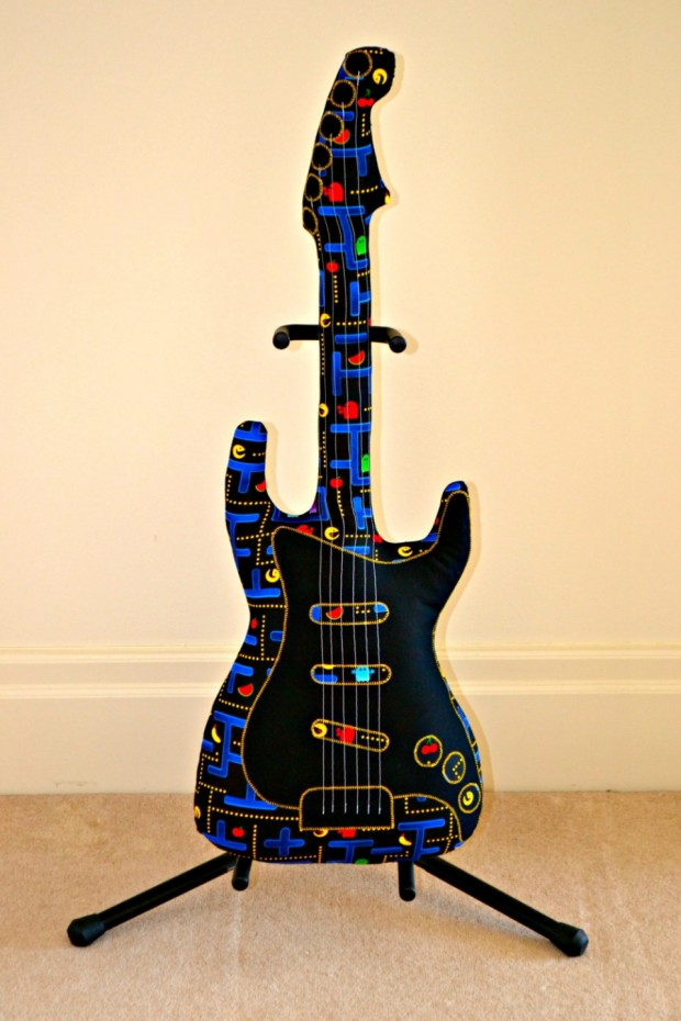 pac man guitar1