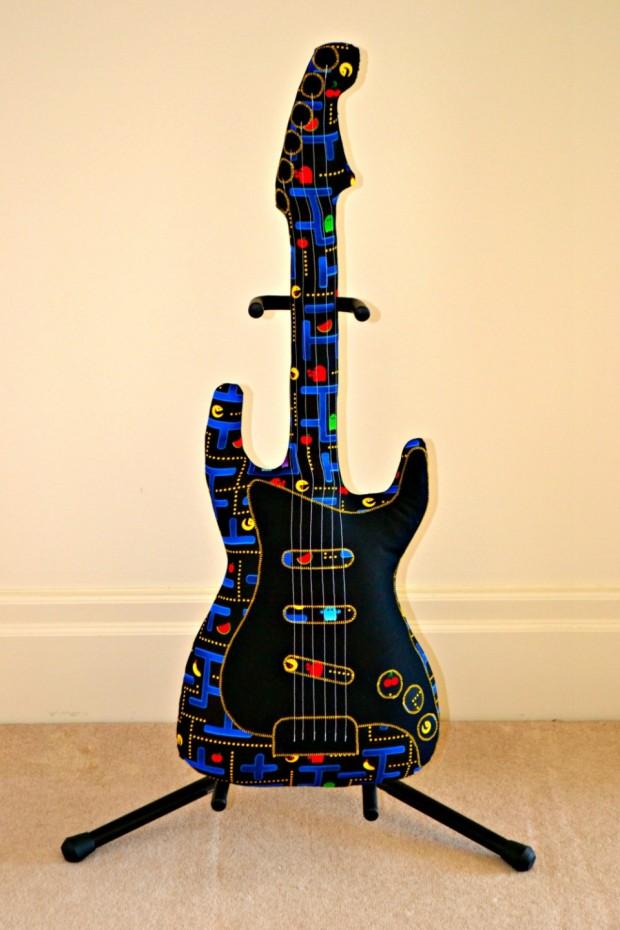 pac man guitar1