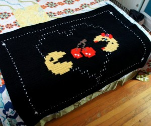 Pac-Man and Ms. Pac-Man In Love Throw