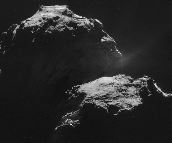 Pictures of a Comet: Can a Robot Win a Photojournalism Pulitzer?