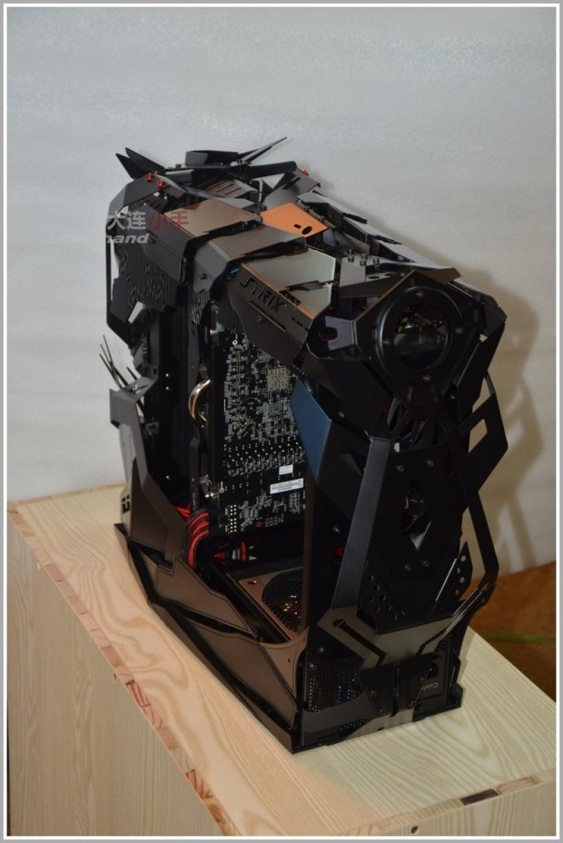 strix-knight-pc-chassis-by-han-yu-6