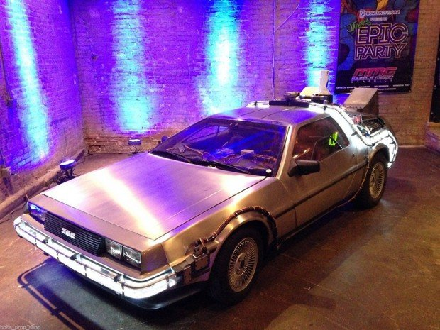back-to-the-future-delorean-dmc-12-time-machine-conversion-by-bobs-prop-shop-2