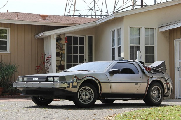 back-to-the-future-delorean-dmc-12-time-machine-conversion-by-bobs-prop-shop-4