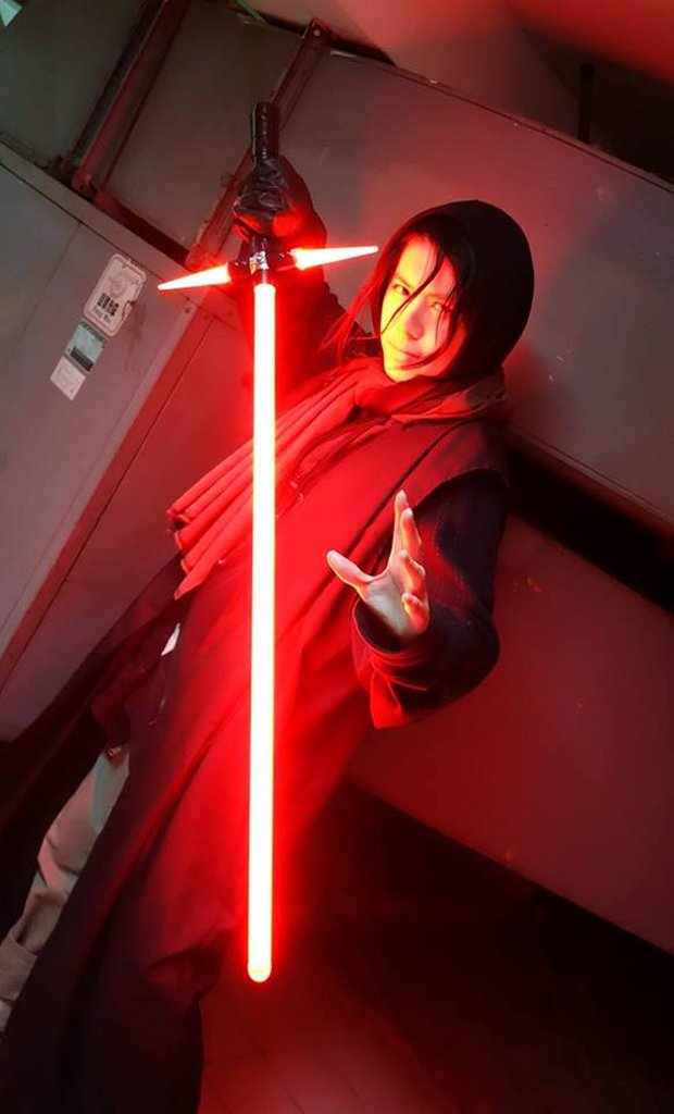 Crossguard Lightsaber Replica The Cosplay Awakens