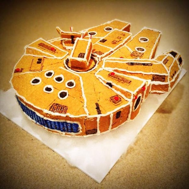 gingerbread_millennium_falcon_2