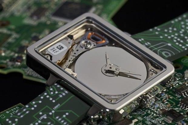 hddwatch-hard-drive-wristwatch-by-Jean-Jerome