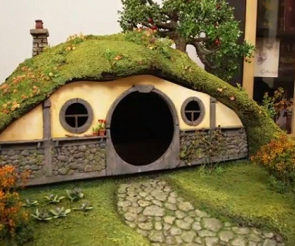Lord of the Rings Bag End Litter Box