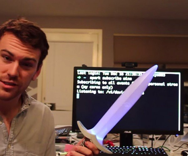 DIY Hobbit Sting Sword Glows Near Unsecured Wi-Fi Networks: Whitehat Baggins