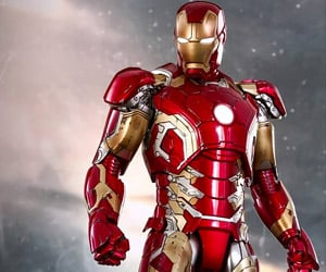 Hot Toys Age of Ultron Iron Man Collectable is Made of Metal