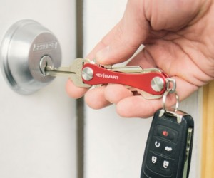 KeySmart Compact Key Holder: Swiss Army Key