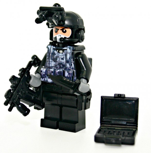 lego_military_combat_minifigs_by_modern_brick_warfare_1