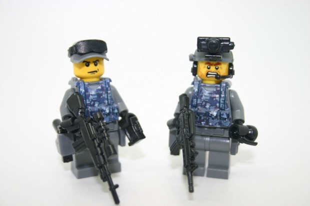 lego_military_combat_minifigs_by_modern_brick_warfare_4