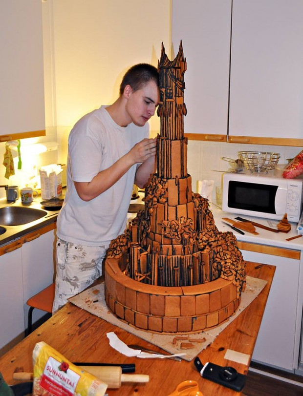 lord-of-the-rings-barad-dur-gingerbread-house-by-Jarno-Koivula-2