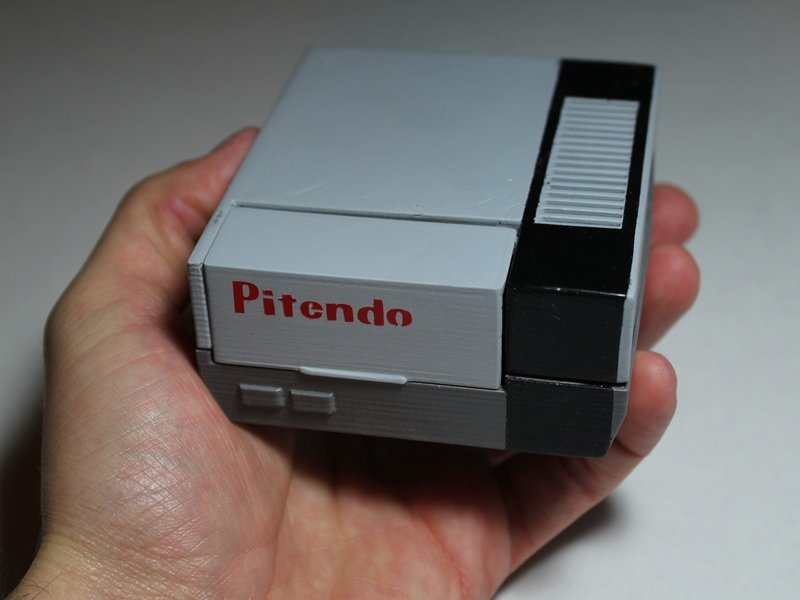 Pitendo is a pint sized nintendo emulator technabob - Retro game emulator console ...