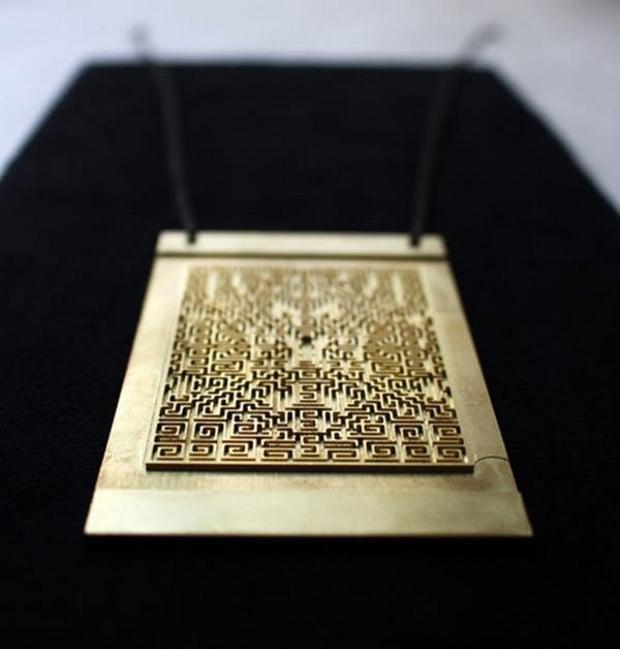 shining_necklace_2