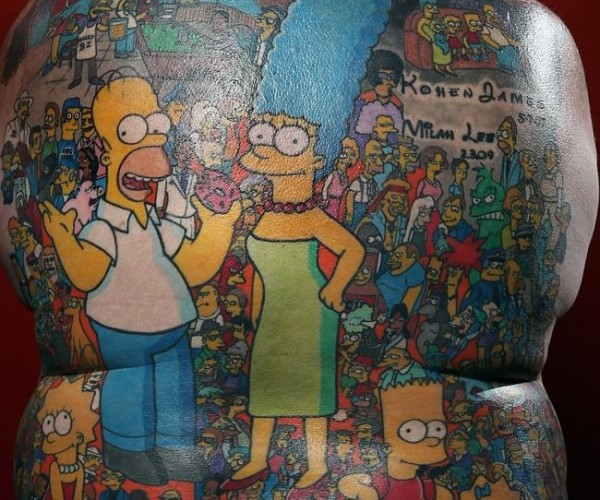 """Guy Gets 203 Simpsons Characters Tattooed on His Back, One of Them Says """"Ha-ha!"""""""