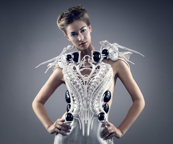 Robotic Spider Dress Reacts to Nearby People: Spider-Sense Tingling!