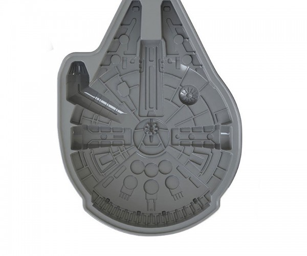 Star Wars Millenium Falcon Cake Pan: You Bake in That Thing? You're Braver than I Thought