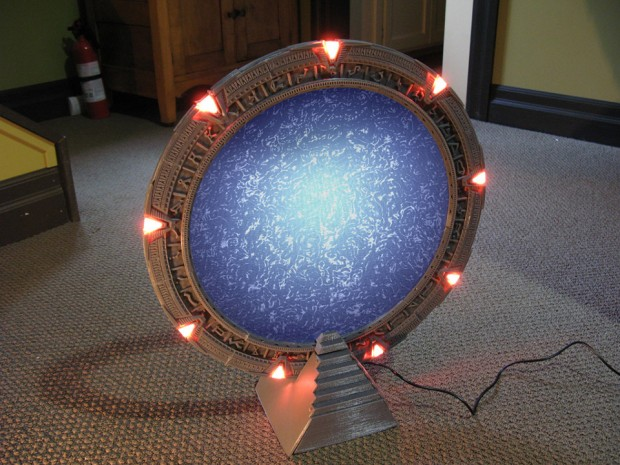 3d Printed Stargate Replica Needs A Tiny Dhd