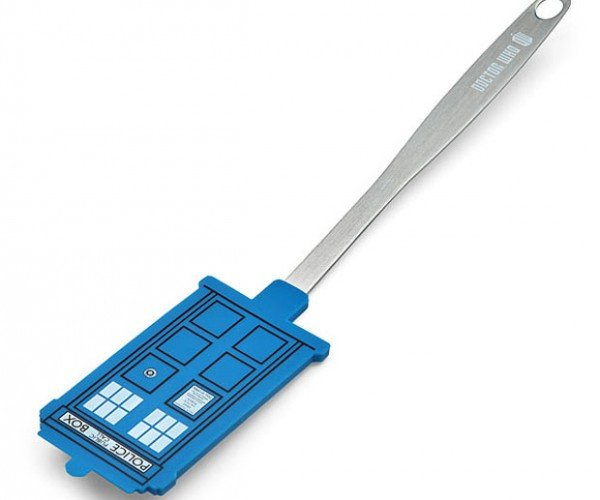 Doctor Who TARDIS Spatula is Flippin' Awesome