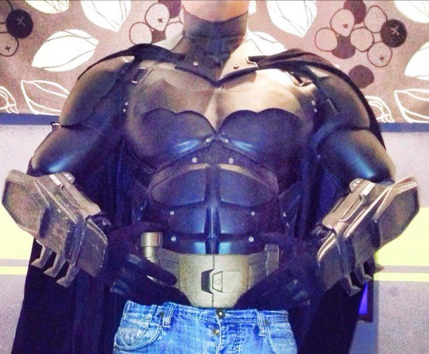 3d_printed_batman_arkham_origins_costume_by_stevie_dee_2