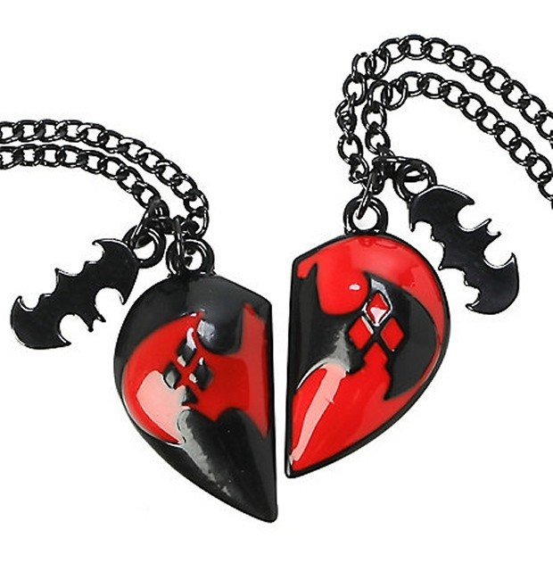 Batman and harley quinn bff necklace technabob for Harley quinn and joker jewelry
